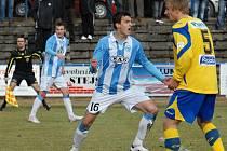 Vukan Vukadinovič se raduje ze svého gólu na 1:1.