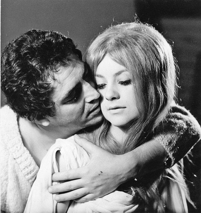 Herečka Bibiana Šimonová jako Isolda, 1968.
