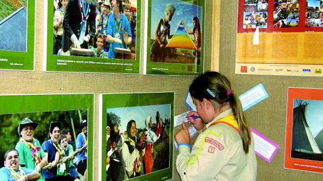 Samotní členové skautského oddílu byli mezi prvními, kdo se zapojili do hlasování o nejlepší snímek výstavy.