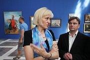 Alšova jihočeská galerie otevřela na Hluboké výstavu Ilja Repin a ruské umění. Nabízí přes 100 prací, potrvá do 27. září. Na snímku zleva kurátoři Vlastislav Tokoš a Julie Jančárková.