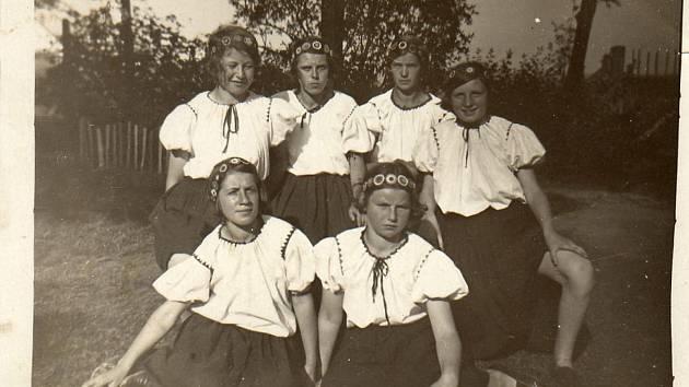 7. 7. 1934: dívky