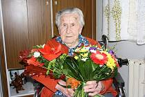 Terezie Kronajslová je v současnosti třetí nejstarší obyvatelkou Českých Budějovic. Včera oslavila sté narozeniny.