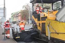 Nový asfalt na Lidické.