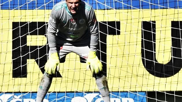 V nedělním zápase Dynama se Slováckem se rozloučí se svým úspěšným působením v Dynamu brankář Jaroslav Drobný (na snímku) a obránce Jiří Kladrubský.