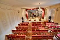 Rekonstruovaný sál v Nových Hradech.