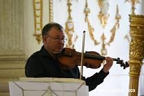 Violista Petr Přibyl zahraje v rozhlase.