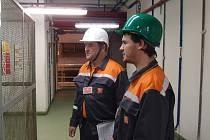 Přímo v provozu prováděli kontroly inspektoři Státní úřadu inspekce práce.