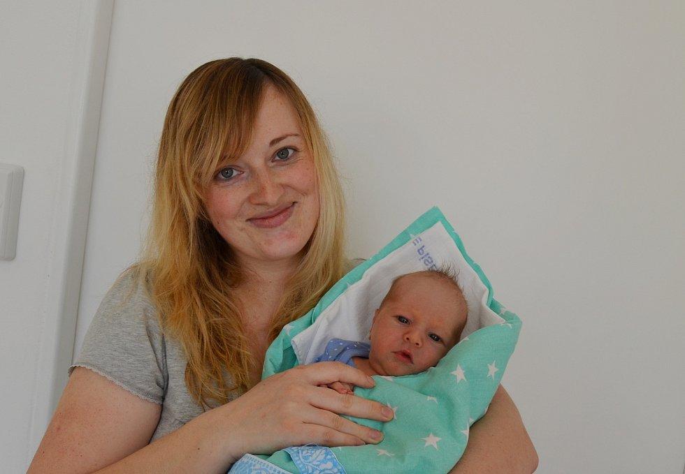 Vladimír Marek z Libějovic. Syn Stanislavy a Vladimíra Markových se narodil 15. 3. 2021 v 16.28 hodin. Při narození vážil 3450 g a měřil 50 cm. Doma se na brášku těšila Kristýnka (3).