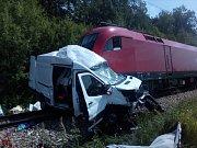 Na železničním přejezdu stačí chvilka nepozornosti, někdy i rutina a střetu s kolosem nejde zabránit. Snímek je z loňské tragické nehody u Kardašovy Řečice ve směru na Višňovou.