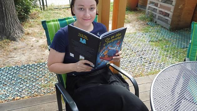 Hana Lehečková četla dětem ze své knihy.