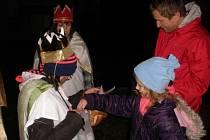 Štědrost a sympatie projevila při setkání s kolednicemi také osmiletá Adéla Chvalová z Českých Budějovic.