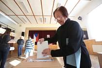 Ve Včelné byla v pátek volební účast nadprůměrná.
