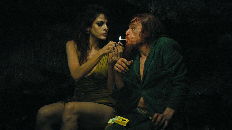 V českobudějovickém kině Kotva se od 22. do 28. listopadu uskuteční Festival francouzského filmu. Snímek z filmu Holy Motors, promítá se 25. listopadu.