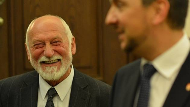 Jiří Jankovský dostal cenu od primátora.