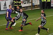 Lukáš Havel se v zápase Dynama s Příbramí raduje ze svého gólu na 2:0.