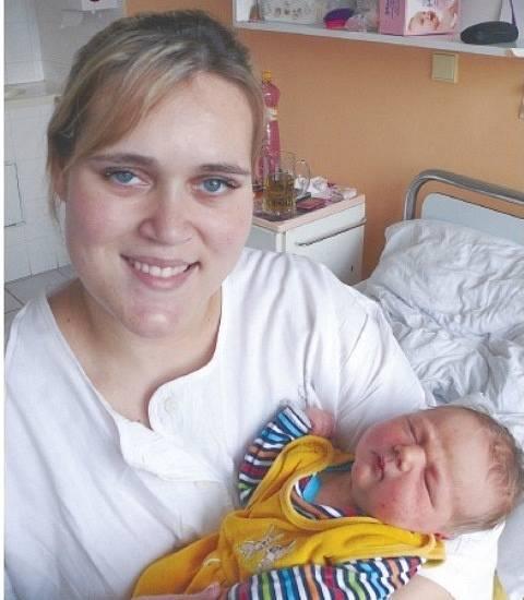 Antonín Mertlík ze Zlivi se narodil 9. 2. 2014 v 10.57  hodin. Vážil 4,50 kg, měřil 55 cm.