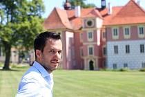Zámek Mitrowicz v Kolodějích nad Lužnicí láká prázdninové návštěvníky na prohlíku