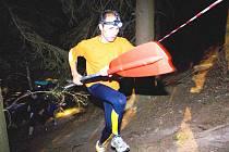 Závod Survival 2009 odstartoval v Poněšicích  na Vltavě náročnou noční kanoistickou etapou, pokračoval výběhem do strmého kopce. Nejrychlejší byli v cíli za čtrnáct hodin, dlouho po nich se ale objevovali v cíli další závodníci.