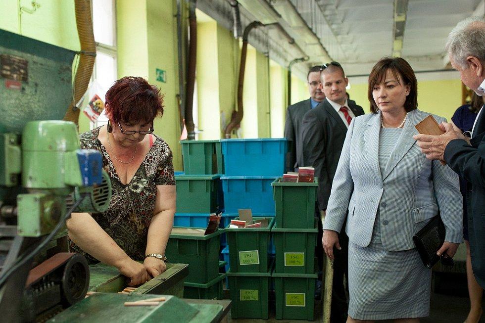 Ivana Zemanová navštívila společnost KOH-I-NOOR HARDTMUTH, a.s.