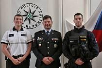 Tři policaji v rodině. Táta František Viktora a synové Vojtěch a František.