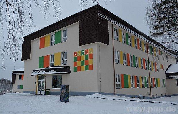 Do české školy chodí iNěmci, ale je jich málo.