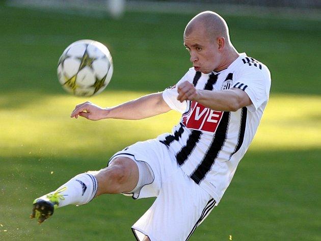 Jediný gól Dynama v Pardubicích dal Pavel Hašek.