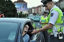 Řidiči, který nadýchal přes jednu promili hrozí až rok vězení.