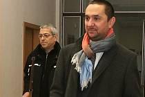 Juraj Thoma přichází ke krajskému soudu.