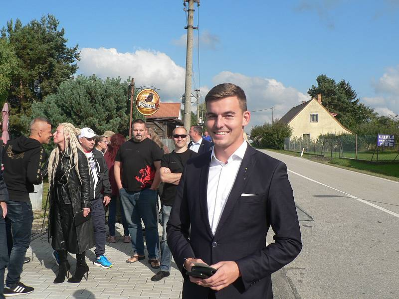 Volby v Trocnově.