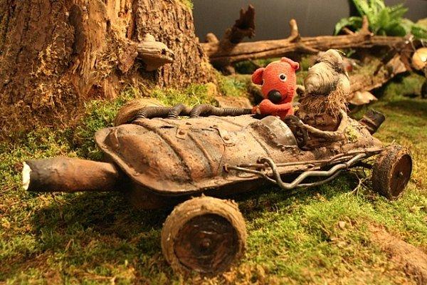 Film oKukym putoval po Česku ive formě výstavy exponátů. Na snímku automobil Hergota.