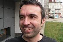 Radim Bártů patří k moderátorům Českého rozhlasu České Budějovice, v mládí obdivoval sportovní komentátory.