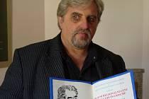 Spisovatel Vladimír Šindelář z Milevska získal za knihu Cesta na popraviště Cenu E. E. Kische.