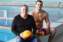 OTEC A SYN. Karel Faměra (vlevo) se těší z návratu svého syna. Nyní se budou spolu připravovat v domácím prostředí. Foto: Jan Škrle