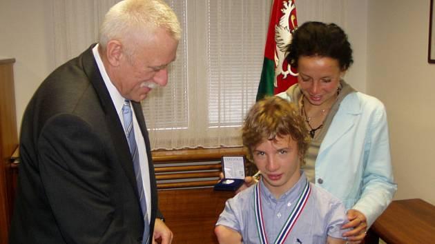 Arnošt Petráček s trenérkou.
