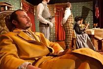 Budějcká Thálie 2014 přinese od 1. do 9. listopadu celkem třináct představení. Snímek z romantické komedie Strašidlo cantervillské.