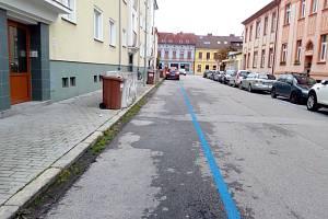 V Českých Budějovicích se parkovací systém s modrými zónami rozšiřuje o další ulice. Tentokrát zhruba mezi Novohradskou, Mánesovou, řekou Vltavou a Papírenskou. Nové plochy začnou fungovat v závěru roku 2021.