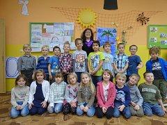 Prvňáčci ze Základní a Mateřské školy ve Dřítni.