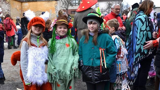 Masopust v Rudolfově je tradičně záležitostí dospělých i dětí z mateřské a základní školy.