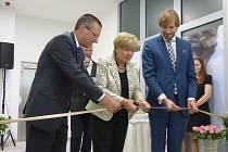 V pátek se uskutečnilo slavnostní otevření Lékařského domu Géčko. Přítomni byli nejen zástupci investora, ale také hejtmanka Jihočeského kraje Ivana Stráská či ministr zdravotnictví Adam Vojtěch.