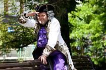 Roman Nevěčný ztvární hlavní roli v dobrodružné komedii Baron Prášil, jejíž premiéru chystá Malé divadlo na 18. červen, hrát se bude před otáčivým hledištěm v Českém Krumlově.