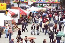 Tisíce návštěvníků si nenechají ujít podzimní výstavu Hobby na českobudějovickém výstavišti, kterou letos doplňuje i Móda show. Brány výstaviště jsou otevřeny denně od 9 do 18 hodin, v neděli, kdy veletrh končí, pouze do 17 hodin.