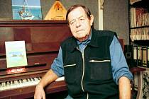 Básník, spisovatel a textař Jan Schneider zemřel 1. prosince 2014 ve věku 80 let.