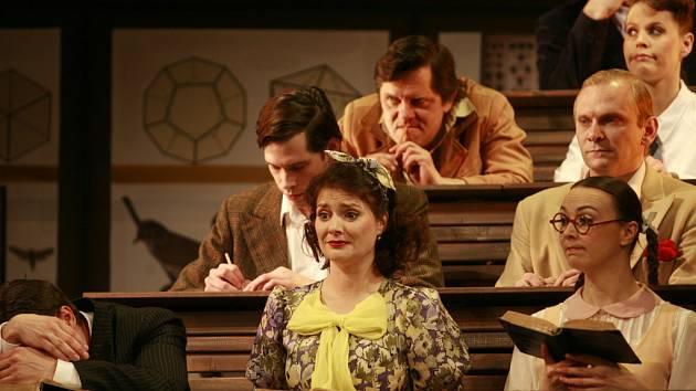 Hudební retrokomedie Škola základ života má 20. dubna premiéru v Jihočeském divadle.