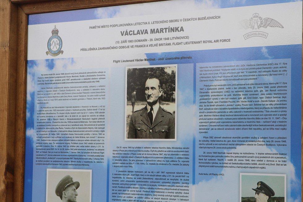 Pamětní deska v Litvínovicích