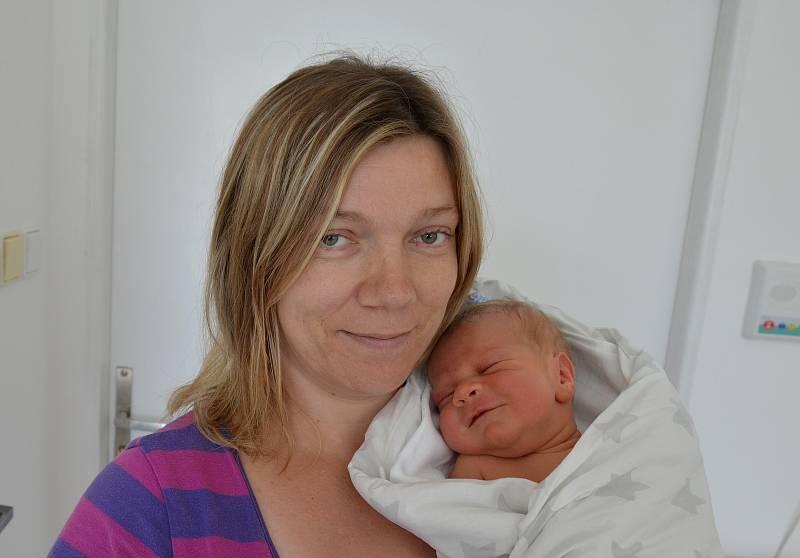 Jan Mejsnar z Písku. Syn Moniky a Jana Mejsnarových se narodil 5. 9. 2021 ve 12.34 hodin. Při narození vážil 4150 g a měřil 54 cm. Doma se na brášku těšili sourozenci Nela (6) a Tomáš (3).