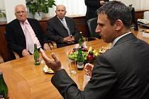 Prezident České republiky Václav Klaus navštívil 27. srpna jihočeského hejtmana Jiřího Zimolu