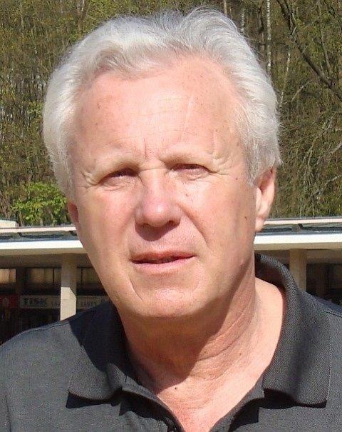 Režisér Jaroslav Soukup natočil řadu filmů, například Pěsti ve tmě (1986).