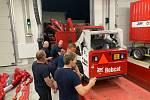 Noční výjezd jihočeských hasičů na pomoc do zasažených oblastí Moravy včetně techniky.