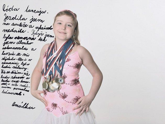 Snímky mladých onkologických pacientů vystavuje v písecké Sladovně fotografka Kamila Berndorffová.