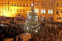 Vánoční trh a rozsvícení vánočního stromu.